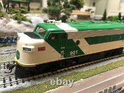 ATHEARN # 8031 HO scale GO TRANSIT F7A Locomotive. Mint in box. Hard To Find