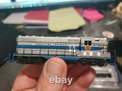 Atlas EMD Demo GP7 Lot Of 2 #200, and #300 Hard to Find Matching Set