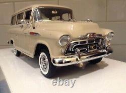 Danbury Mint 1957 Chevrolet Suburban / Hard to Find and Rare