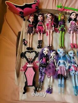 Huge Monster High Lot. 27 Dolls. Some Hard To Find