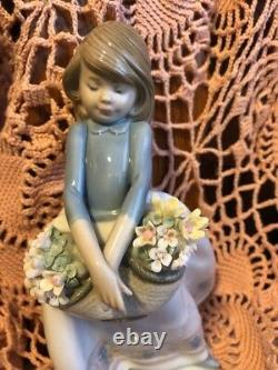 LLADRO 5467 May Flowers Retired Mint Condition! No Box! Rare Hard to Find