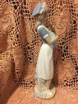 LLADRO NAO 709 Nurse Retired Mint! No Box! Hard to Find! L@@K