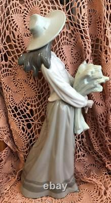 LLADRO NAO Girl with Wheat Retired! Mint! No Box! Rare, Hard to Find